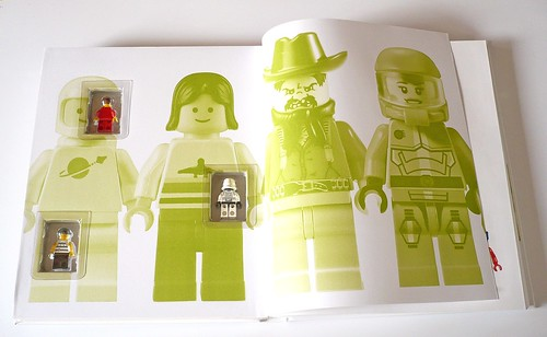 LEGO Minifigure Year by Year A Visual History 03