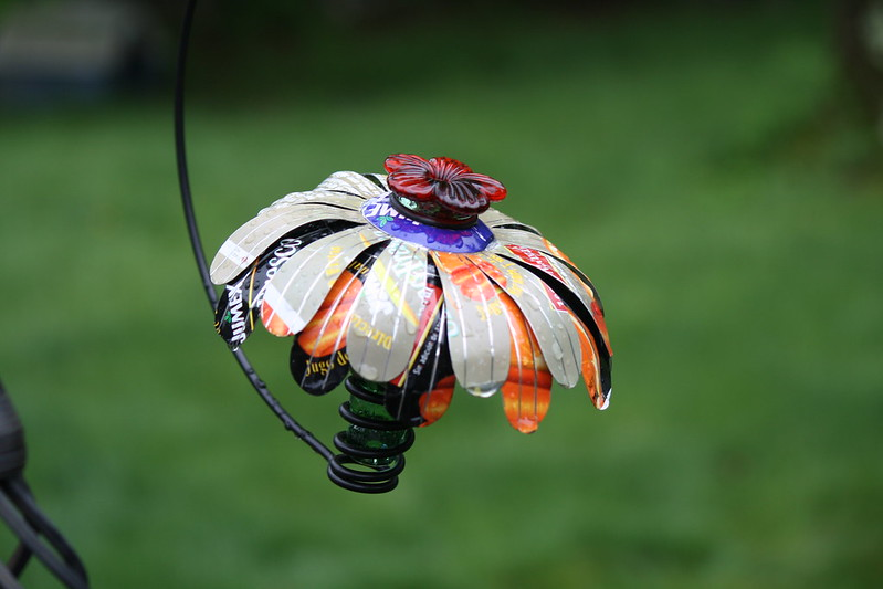 new hummingbird feeder 2