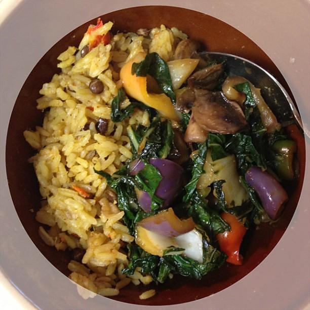 Dinnertime: Ginger Lentil Rice and Veggies #vegan