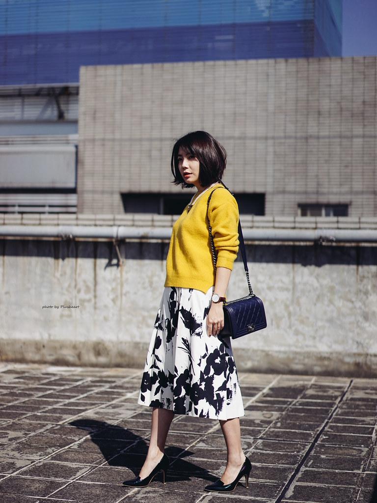 ▌Outfit ▌ 毛衣星期五.黃毛衣撞黑白花裙