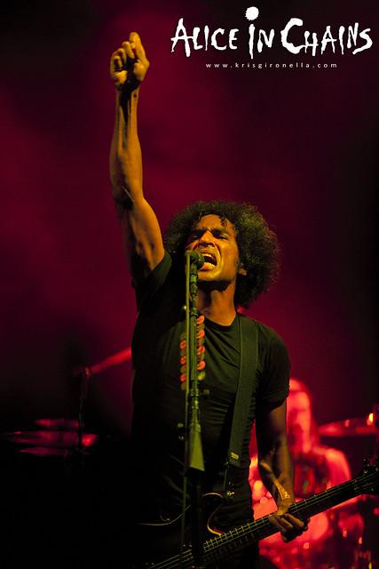 William DuVall fist in the air - Singapore Rock Fest 2014