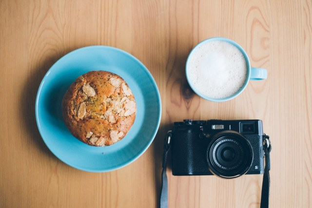 Coffee, Almond Muffin and X100S 2015/02/08 XE103632