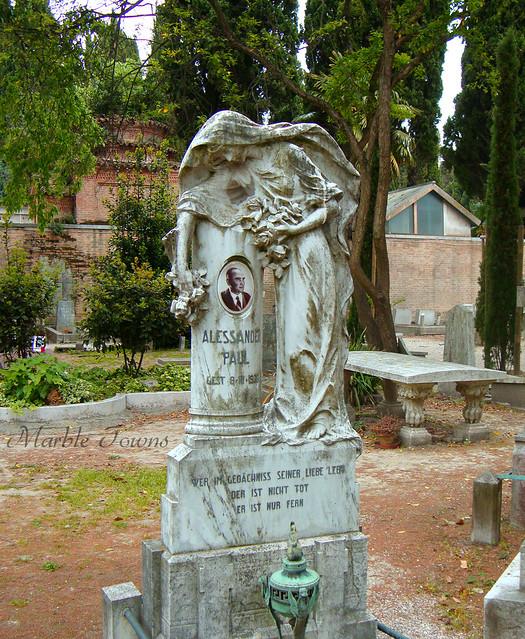 San Michele Cemetery angel 1.jpg