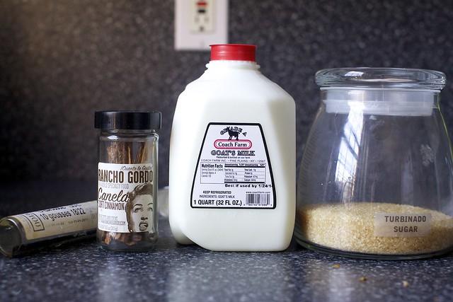 vanilla bean, canela, goat's milk, sugar