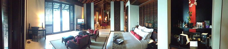 Panoramic photo of our Reethi Rah villa