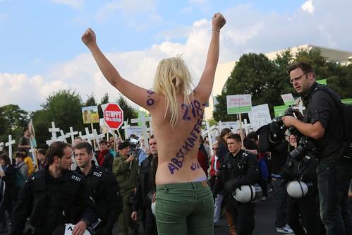 Marsch für das Leben und Gegenprotest Berlin 21.09.2013   IMG_0301