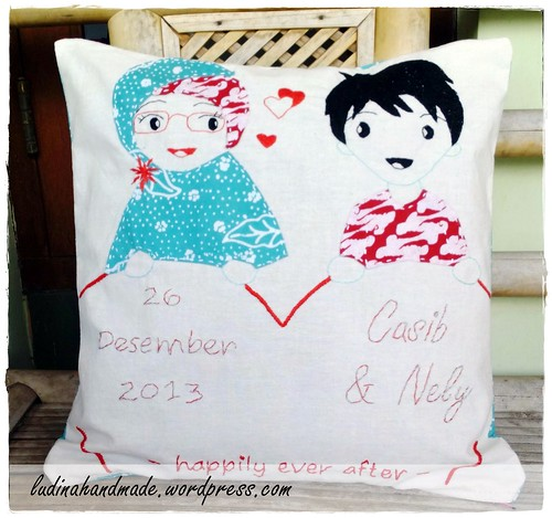 hand embroidery pillow applique