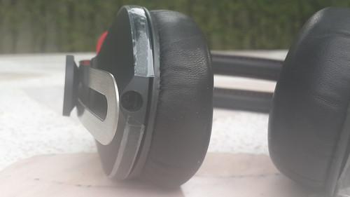ช่องเสียบหูฟัง 3.5 มม. ของ Sennheiser Momentum Black