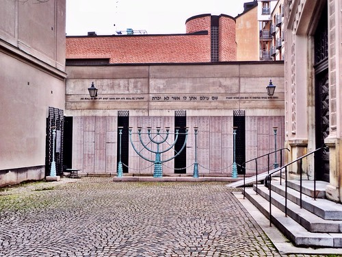 Synagogue by SpatzMe