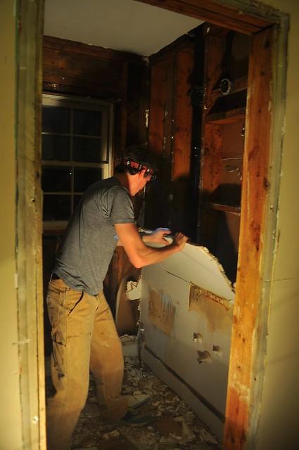 2012-02-04 Bathroom demolition 23