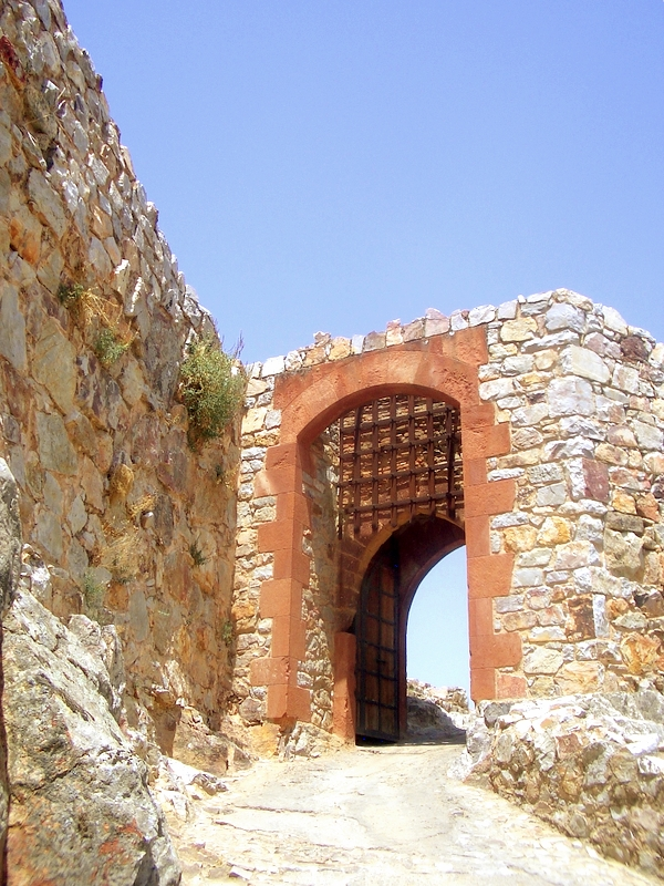 3. Espectacular entrada al castillo. Autor, Bambo