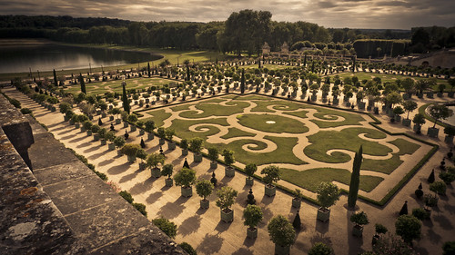 The Twists of the Labyrinth (Versailles) - Photo : Gilderic