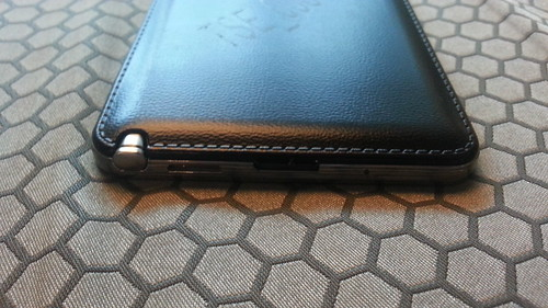 Samsung Galaxy Note 3 ด้านล่าง
