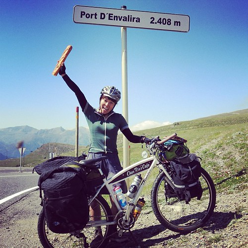 DAY 48: Ride across 3 countries from France, Andorra to Spain in one day! My Hunter coffee bike is super perfect setup for traveling around the world. I can go anywhere I want! 自転車で3つの国、フランス+アンドラ+スペインを一日でまたいだ。私のハンターは最強の組合せ!行きたい世界のどこにでも行けちゃうんですけど… Thanks +
