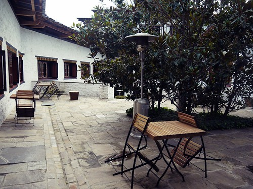 uma courtyard