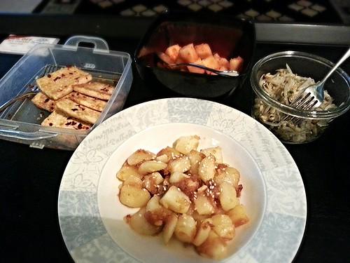 Fried tofu, mung bean sprouts, potatoes by pipsyq