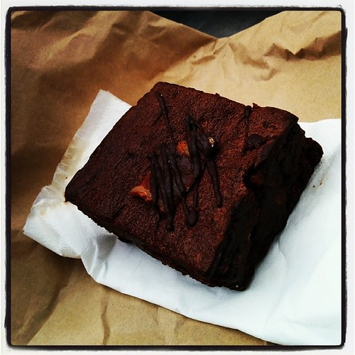 Yummy @parklifecafe bacon and chocolate brownie #cake #sowrongyetsoright by South Downs MTB Skills