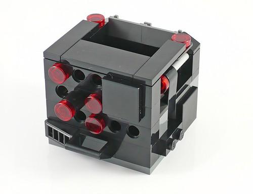 LEGO The Movie 70807 MetalBeard's Duel 05