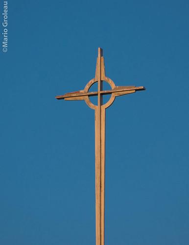 UQTR Pavillon Pierre-Boucher (croix) by Mario Groleau | mgroleau.com
