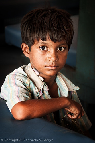 Cleaning Boy | Santiniketan, West Bengal, India | July 2013 by Somnath Mukherjee Photoghaphy