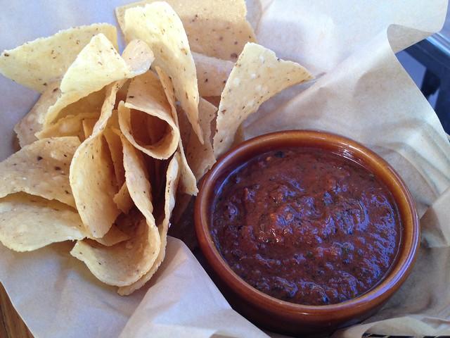 Chips and salsa - El Techo de Lolinda