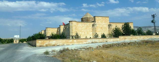 Turquie - jour 19 - De Çavusin à Mustafapasa - 063 - Avanos - Yeni Kayseri Yolu - Sarıhan Kervansaray