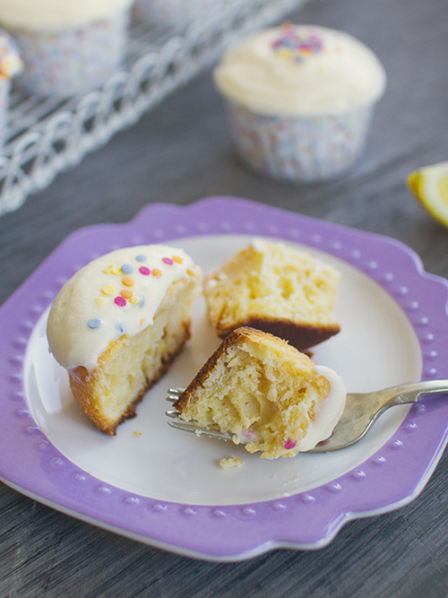 lemon sour cream cupcakes