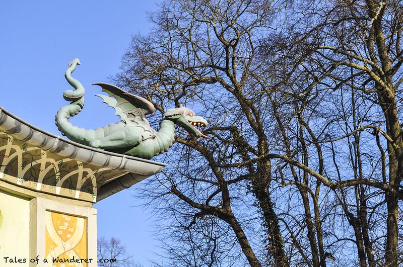 POTSDAM - Park Sanssouci - Drachenhaus auf dem Klausberg