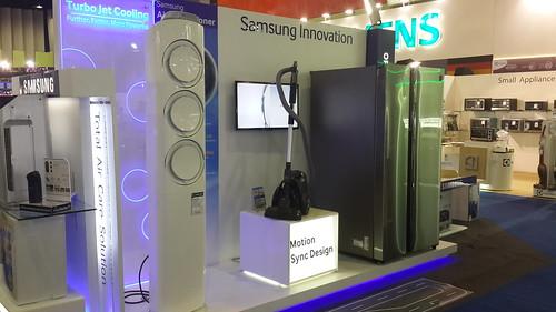 ตัวเอกทั้งสามจาก Samsung (แอร์, เครื่องดูดฝุ่นไร้ถุง และ ตู้เย็นโชว์เคส)