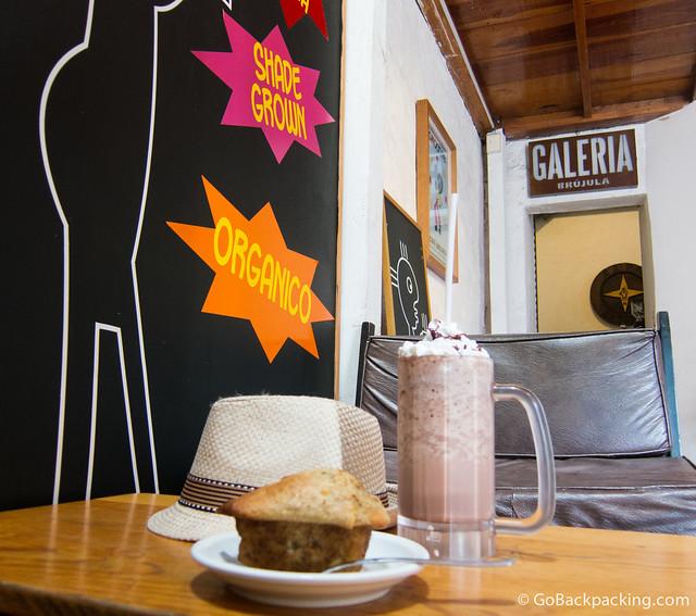 Cafe Brujula y Galeria