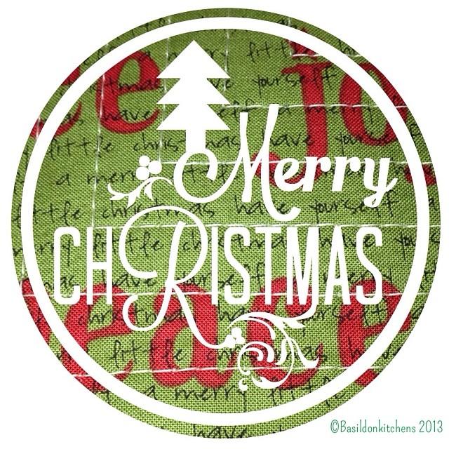 Dec 11 - green {the green if my Christmas pillow} #fmsphotoaday #christmas #green #holidays #quilt #pillows