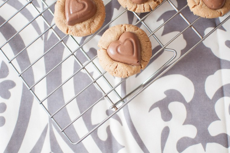 Double Crunch Biscoff Cookies with Chocolate Hearts