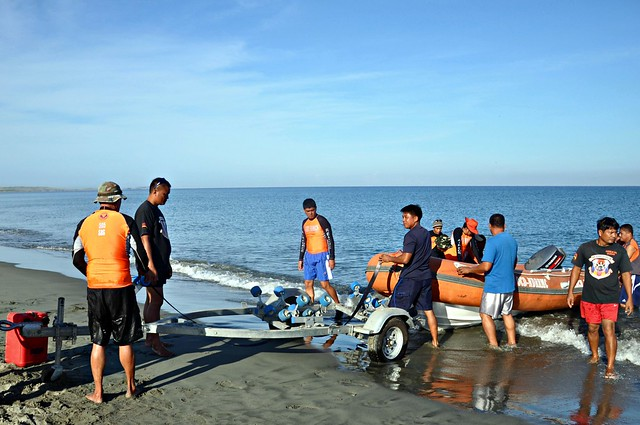 Search and Rescue Rubber Boat Operation Class 07- 2013 (2)
