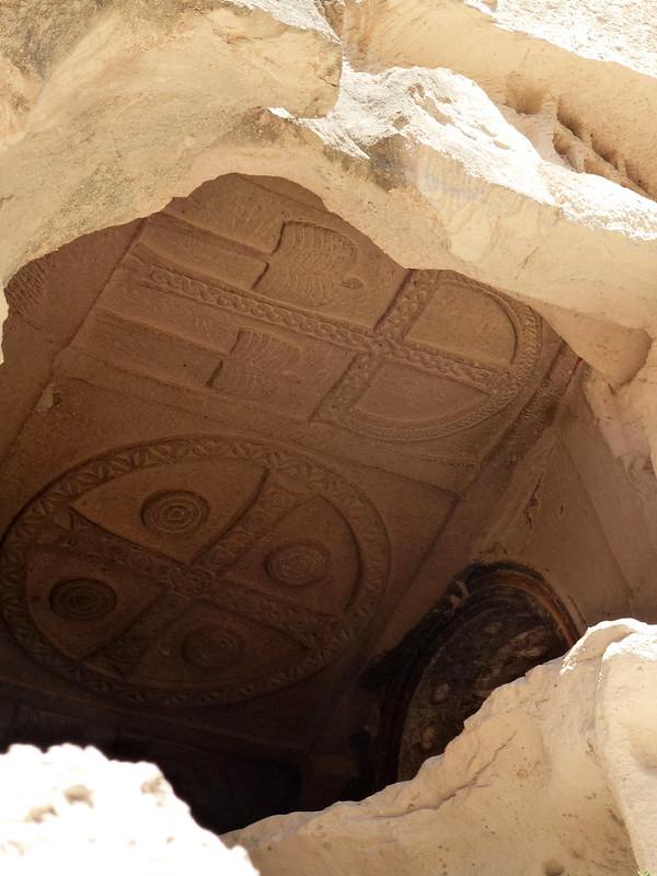 Turquie - jour 21 - Vallées de Cappadoce  - 031 - Çavuşin, Güllü Dere (vallée aux roses) - üç haçlı kilise (église des trois croix)