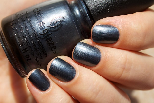 02 china glaze autumn nights collection kiss my glass