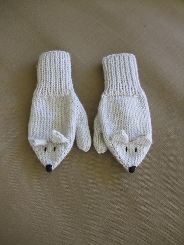 Little Wolf Mittens (1)