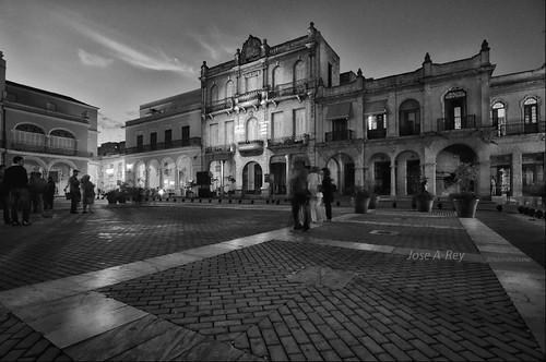Habana de Noche by Rey Cuba
