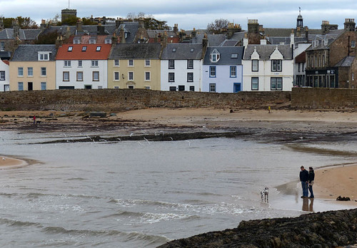 Anstruther shore by geoffspages
