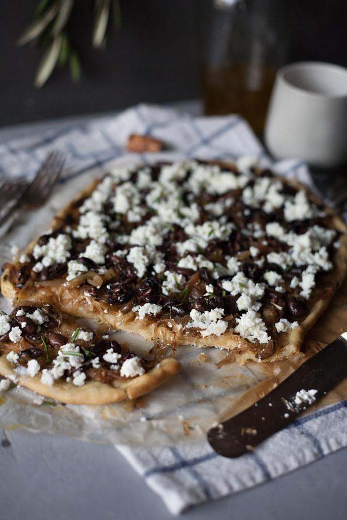 tarte de cebola e azeitona com massa de azeite