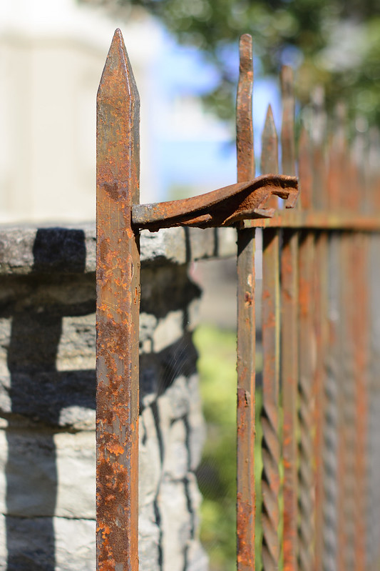 Rusted fence in Mäderstrasse