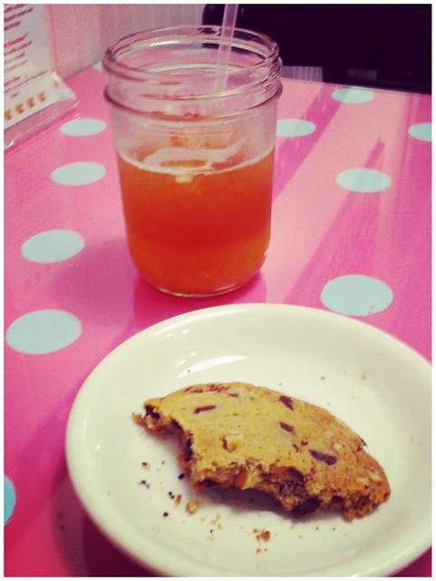 Iced tea & cookie Kitchenette NYC