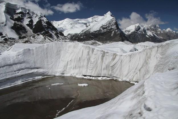 Camp Dikiy to South Inylchek Base Camp. South Inylchek Glacier Trek