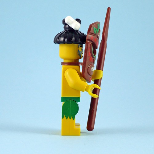 71002 LEGO Minifigures Series 11 05 Island Warrior 07
