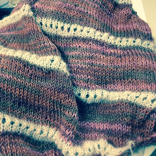 Shawl in progress #instaknit #serialknitters #yarn #sockyarn #laceyarn #shawl #lavoroamaglia #fattoamano #merlot
