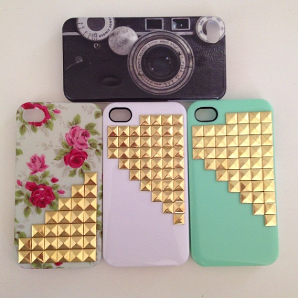 #iDiwa #iphone4s #turqoise #golden #studds #floralpattern #vintage #camera iphonecase #pretty #materiallove