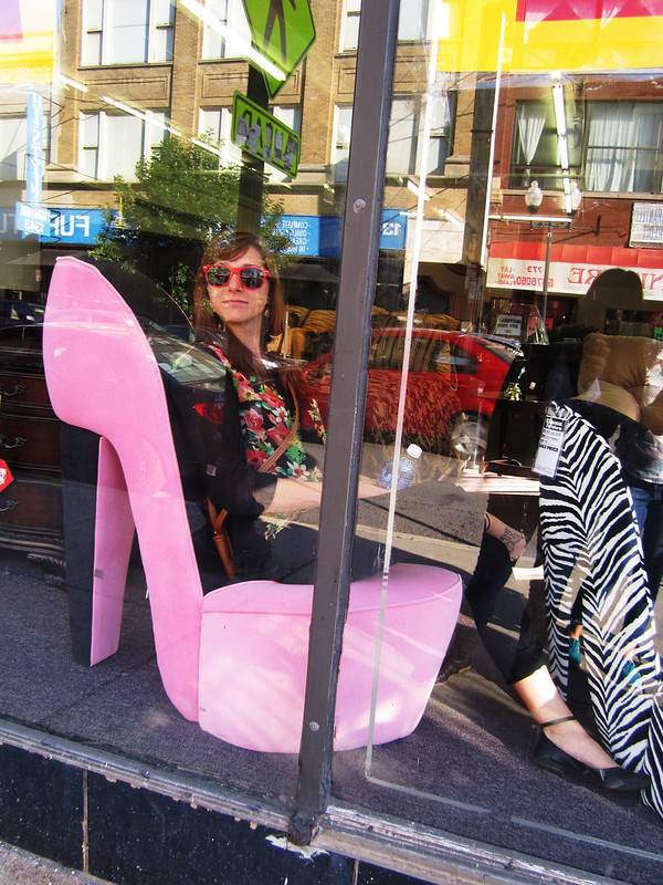 Jeso in a stiletto chair