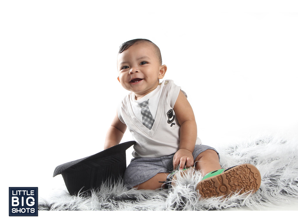 Introducing Rayyan | Baby Studio Portraiture