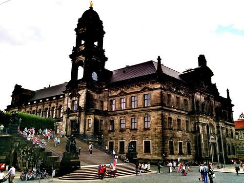 CRÓNICA - Día 4: Alemania (Dresde: Frauenkirche, Desfile de los Príncipes, Ronda Zwinger, etc. Berlín: llegada y alojamiento).