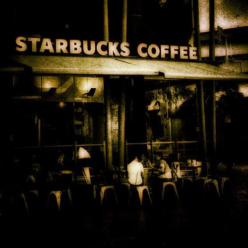 Starbucks at Darling Harbour #sydney by @MySoDotCom