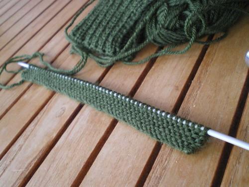 Tricot facile - Gants tricotés au point mousse à 2 aiguilles pour adultes (1/6)